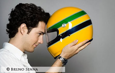 bruno senna wearing special helmet for anniversary ayrton senna a tribute to life. Black Bedroom Furniture Sets. Home Design Ideas