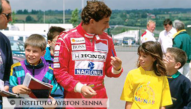 Ayrton Senna in talks with Fans